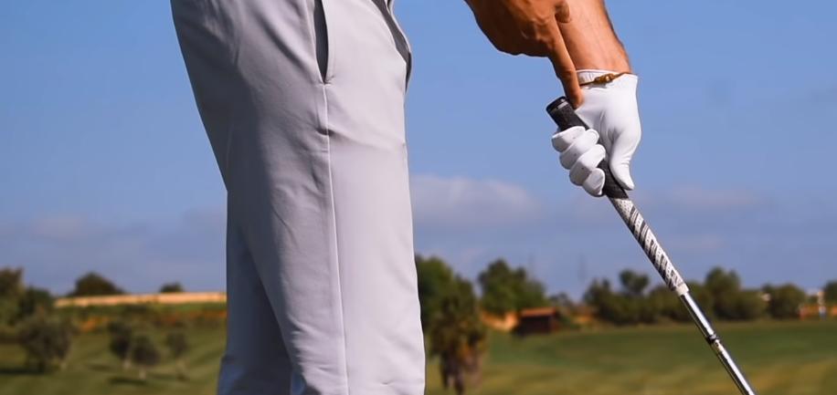 How To Properly Grip A Golf Club (Tutorial) - Nifty Golf